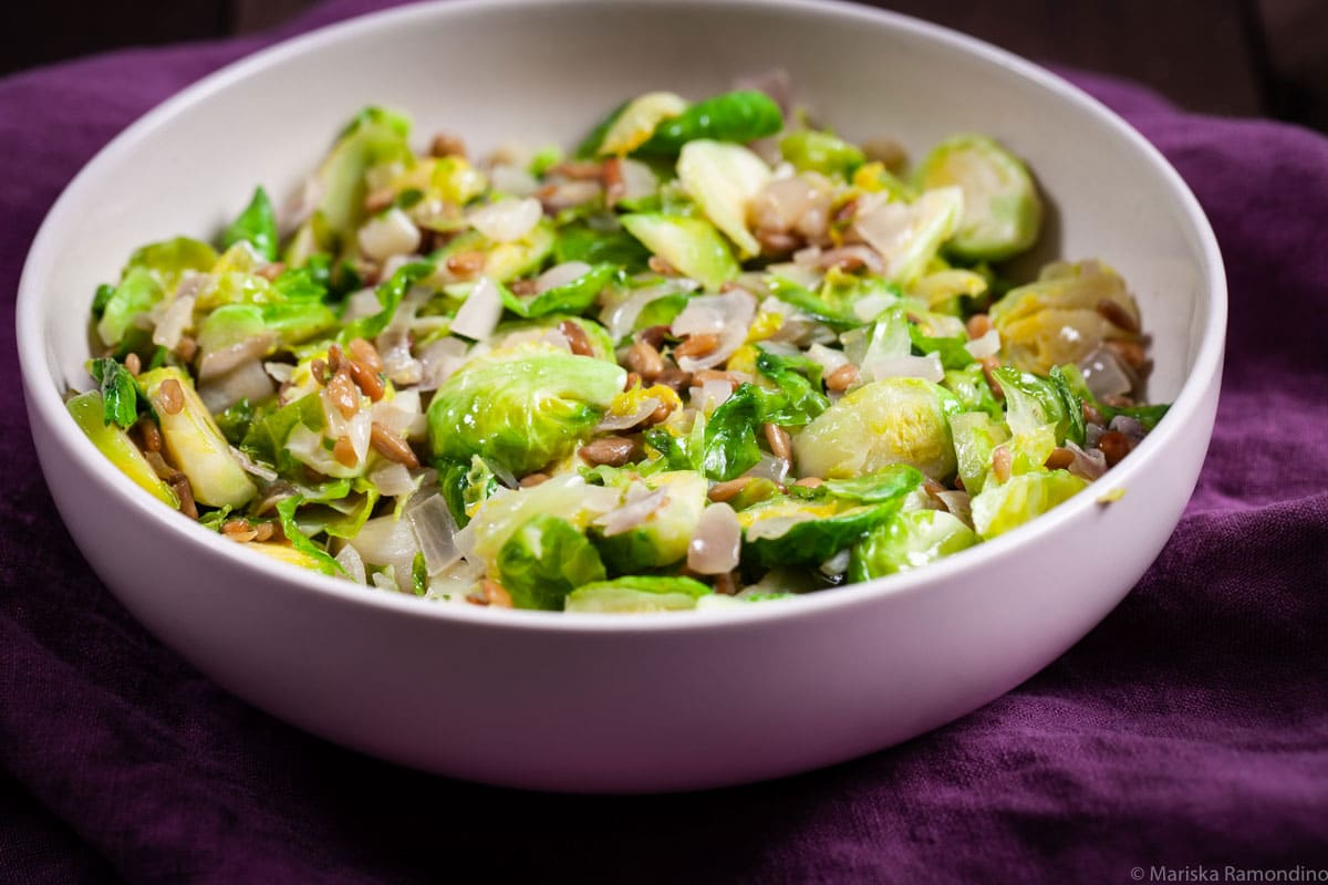 A-SUPER-COMFORTING-AND-HEALTHY-BRUSSELS-SPROUTS-SIDE-DISH