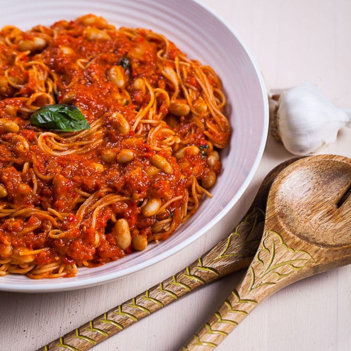 A-SWEET-AND-SPICY-RED-PASTA-SAUCE-WITH-CREAMY-CANNELLINI-BEANS