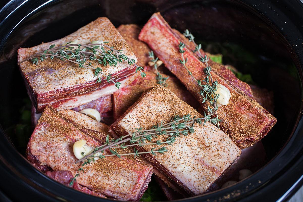 beef short ribs bone in slow cooker
