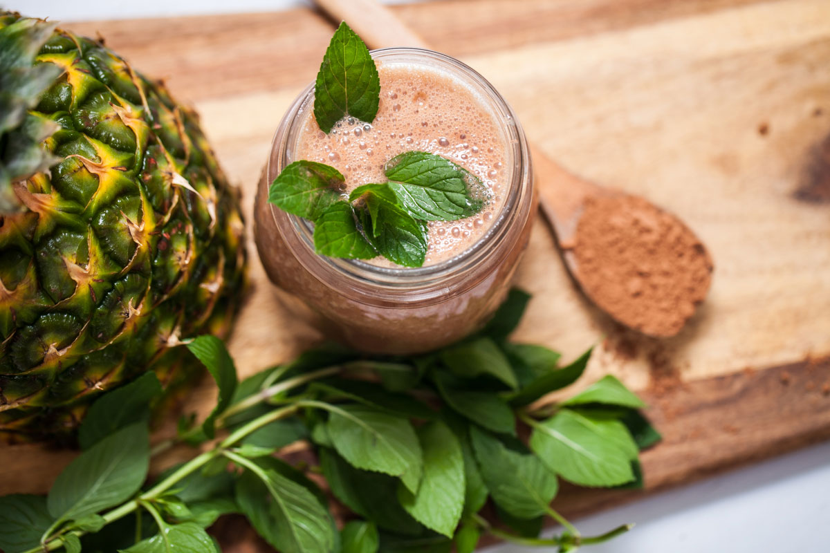 Coffee Cocoa smoothie and pineapple