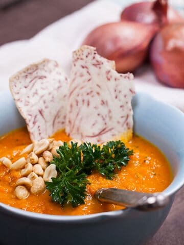 A HEALTHY CARROT SHALLOT SOUP WITH FRESH PARSLEY