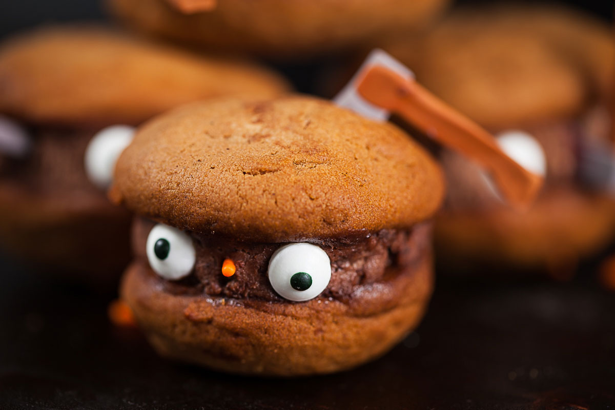 TOO CUTE BLOODY AX MASCARPONE COOKIES